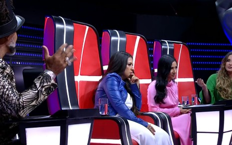 Carlinhos Brown, Simone, Simaria e Claudia Leitte na semifinal do The Voice Kids de domingo (7) - REPRODUÇÃO/TV GLOBO