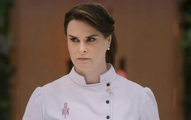 A chef Danielle Dahoui, nova apresentadora do reality Hell's Kitchen - Cozinha sob Pressão - Reprodução/SBT