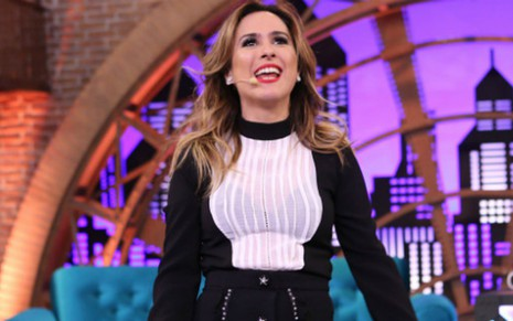 Tatá Werneck canta no episódio de estreia da segunda temporada do talk show Lady Night - Gianne Carvalho/Multishow