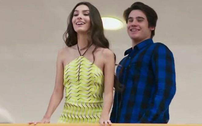 Os atores Marina Moschen e Nicolas Prattes em uma das últimas cenas de Malhação - Reprodução/Globo