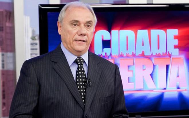 Marcelo Rezende comete gafe e anuncia Jornal Nacional na