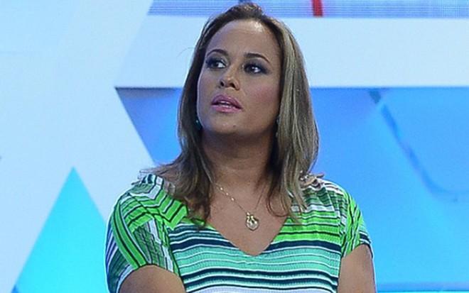 A jornalista Renata Alves na apresentação dos novos titulares do Hoje em Dia,  em janeiro f2cd747c9c