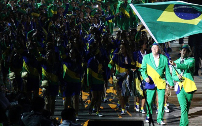 Delegação brasileira na abertura oficial do Pan de Toronto d3aff8c2863e3