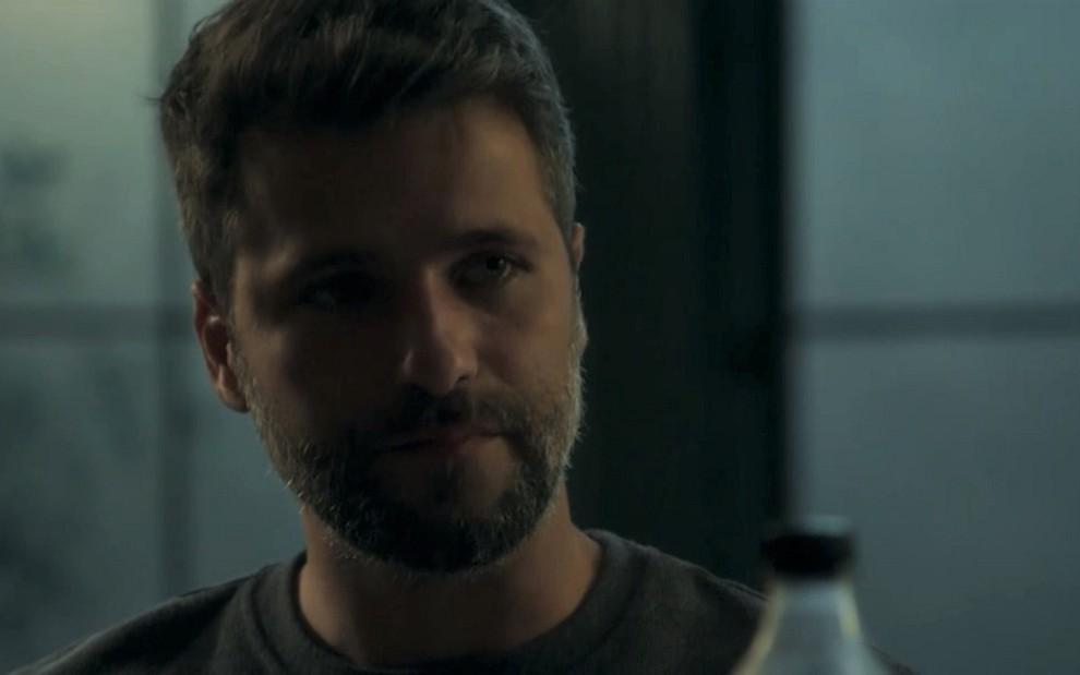 Bruno Gagliasso (Gabriel) em cena de O Sétimo Guardião: personagem virou líder da irmandade - Reprodução/TV Globo