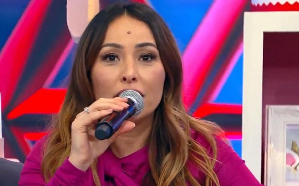 20bfe77c5f007 Sabrina Sato em seu programa  Record ainda não decidiu o futuro da  apresentadora - Reprodução
