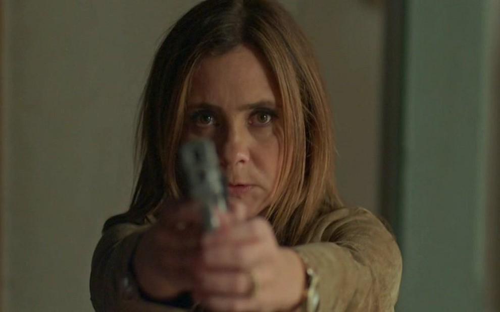 Laureta (Adriana Esteves) no último capítulo de Segundo Sol: novela decepcionou até em sua despedida - REPRODUÇÃO/TV GLOBO