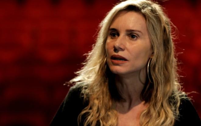 A atriz Paula Burlamaqui durante entrevista para o webprograma Senta que lá Vem! - Senta que lá Vem