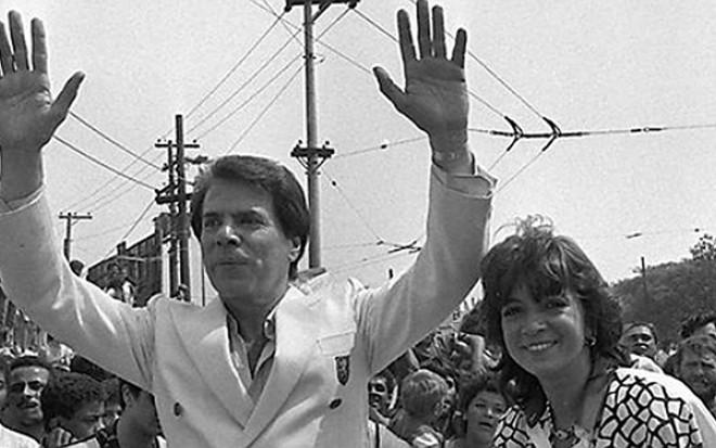 Silvio Santos ao lado da mulher, Íris Abravanel, durante Parada em SP nos anos 1980 - Divulgação/SBT