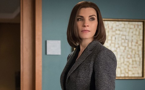 A atriz Julianna Margulies em cena da sétima temporada do drama The Good Wife, que completa dez anos