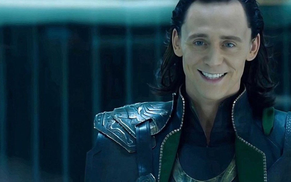 O ator Tom Hiddleston em cena como o deus nórdico Loki no filme Thor