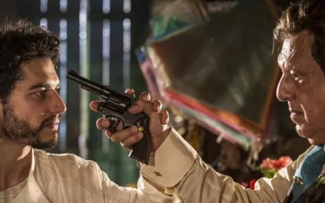 Martim (Lee Taylor) e Afrânio (Antonio Fagundes) se enfrentam em cena de Velho Chico - Inácio Moraes/TV Globo