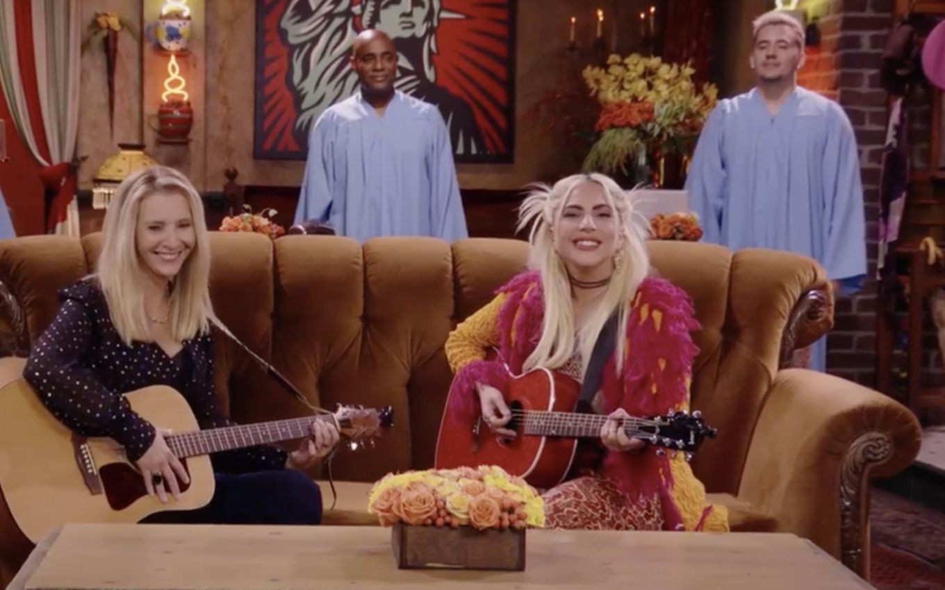 friends lisa kudrow lady gaga From hated monkey to Gaga with Phoebe: 5 must-see scenes from the Friends reunion