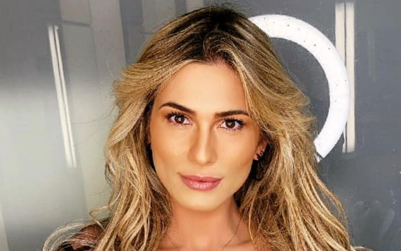 Andrade livia Lívia Andrade