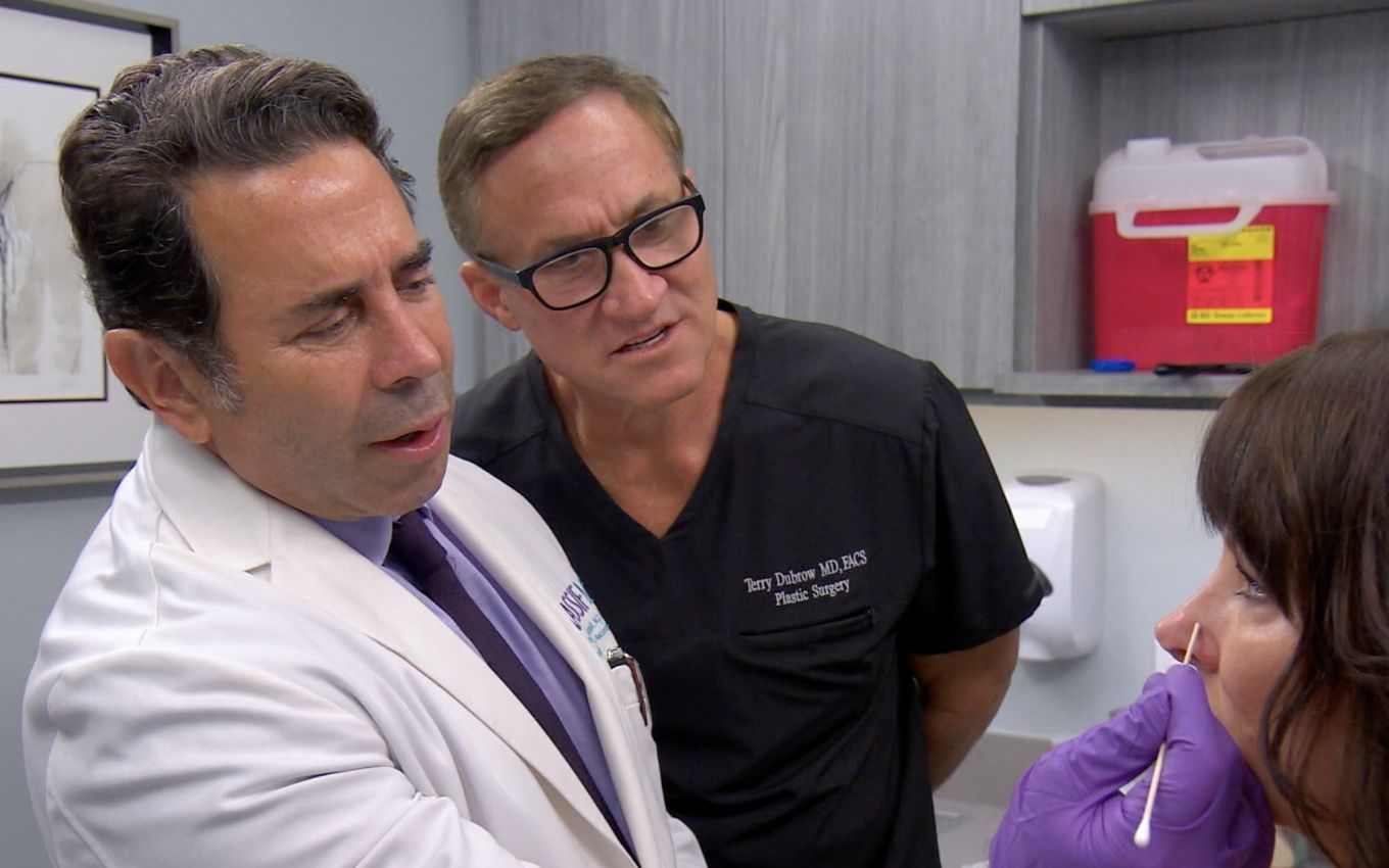 paul nassif terry dubrow divulgacao e TV doctor points out that the use of masks increased the demand for eye plastics