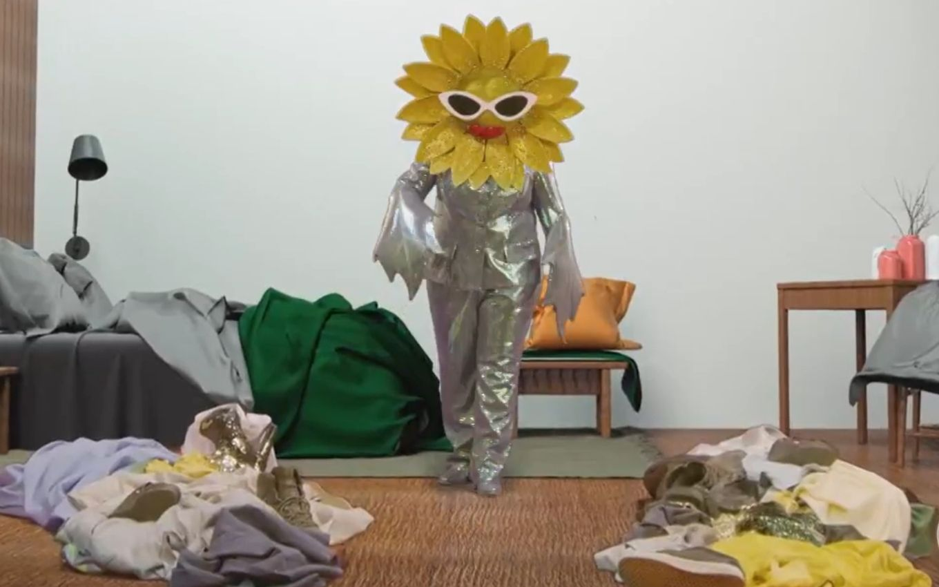 themaskedsinger sandra de sa bagunca reproducao globoplay Who is Sunflower from The Masked Singer? Clues indicate former Famous Show