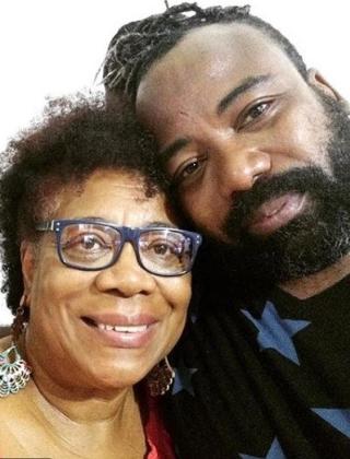 Mãe de Rodrigo do BBB19 vira funkeira e defende o filho: 'Ele não roncava' 2