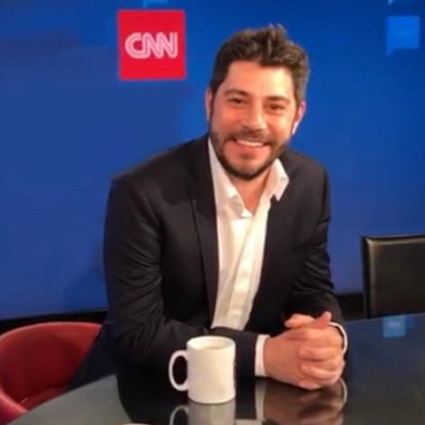Evaristo Costa publica foto tirada no escritório da CNN Brasil em Londres