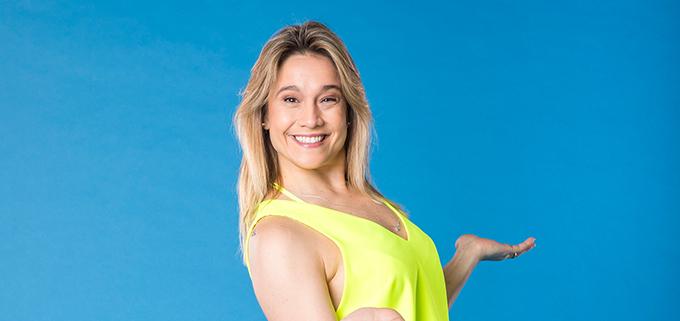 Fernanda Gentil faz sua estreia no Entretenimento da Globo